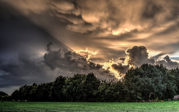 nature-clouds-hdr-phenomenon