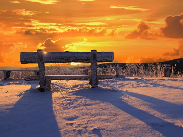 edits-sunset-bench-valley-winter